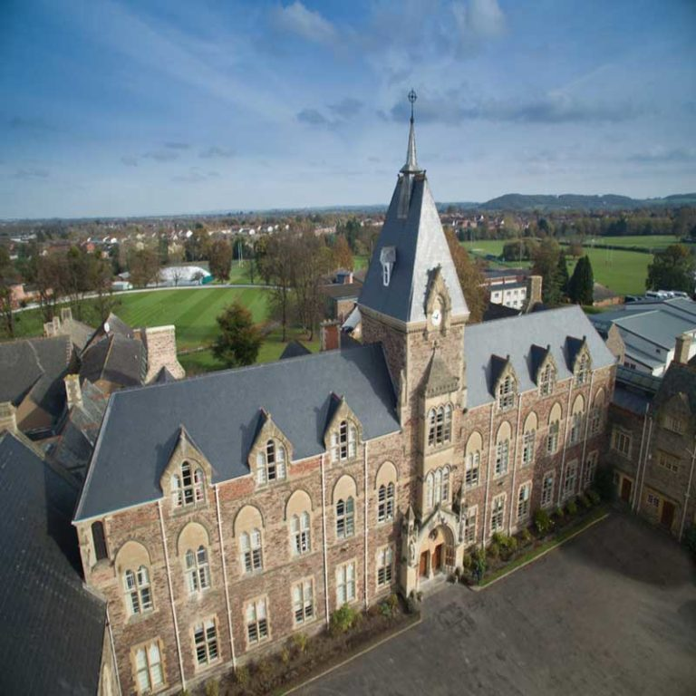 Advantages of sending your child to a boarding school
